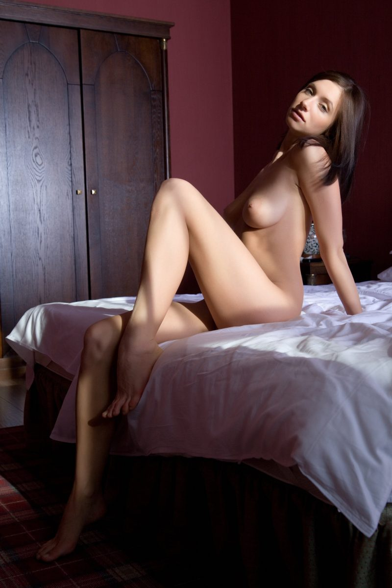 Simone lying naked on bed bedroom gretta Pretty Ladies Simone