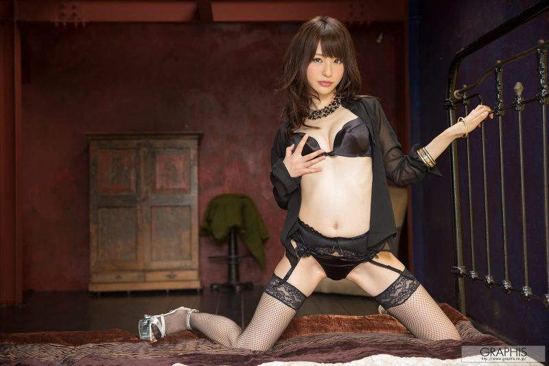 Moe Amatsuka – Stockings & garters