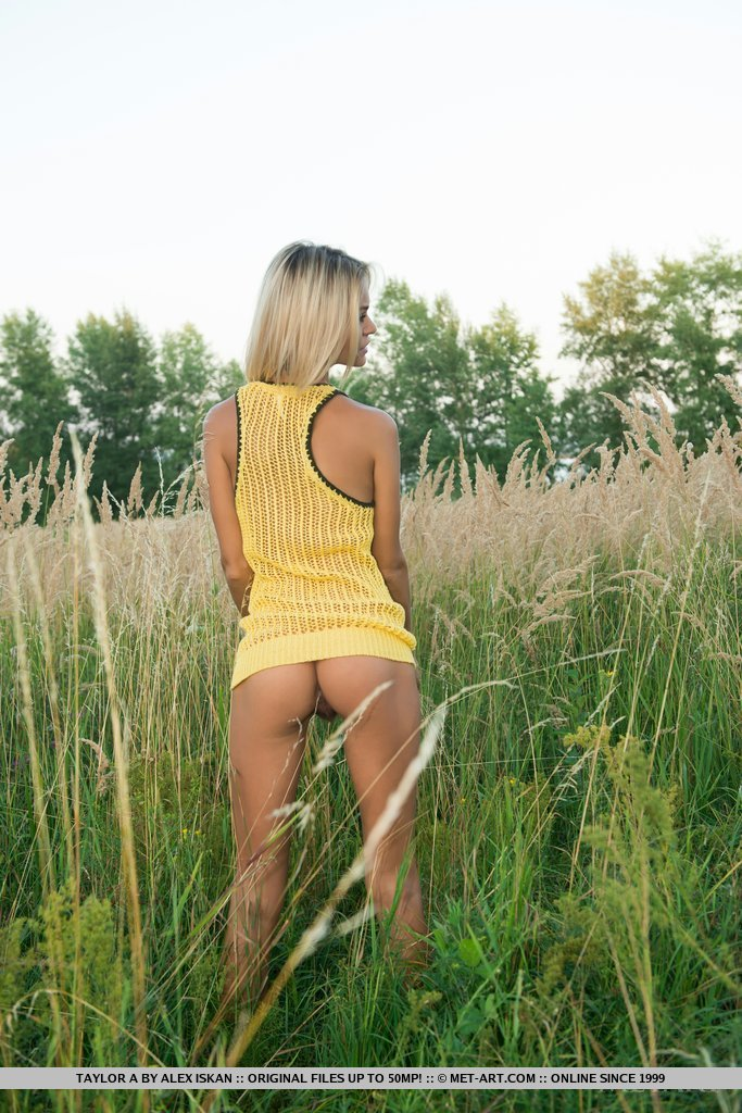 Nonna naked on the meadow blonde meadow Nonna Pretty Ladies skinny