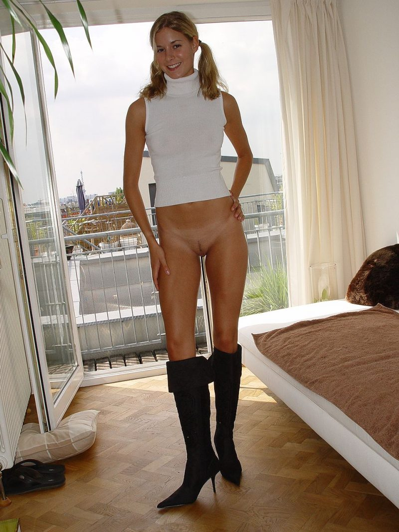 Bottomless blonde in knee high heels