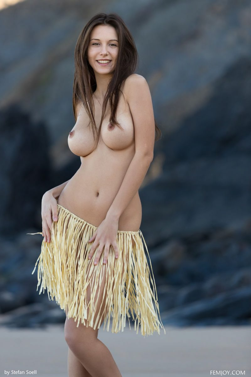 Alisa Amore on the beach