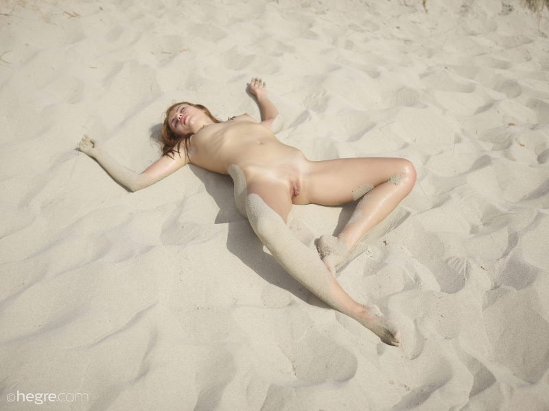 Hilary – Body covered with sand