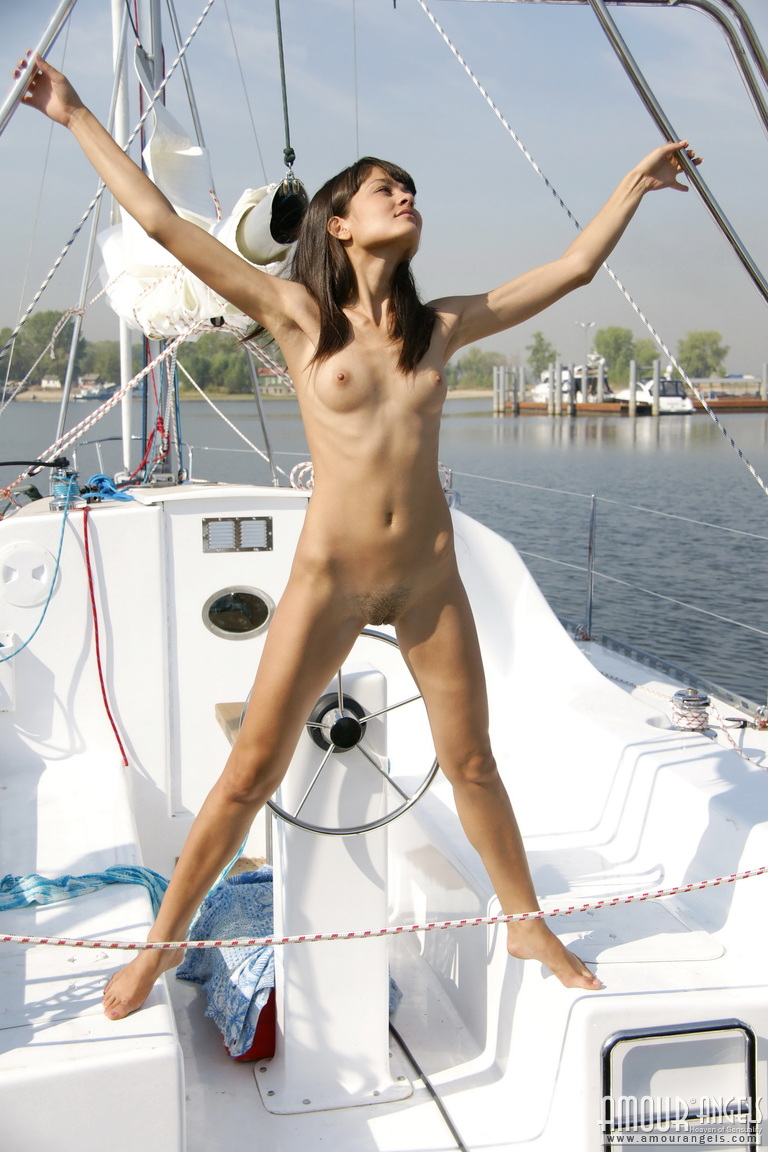 Landysh naked on the yacht