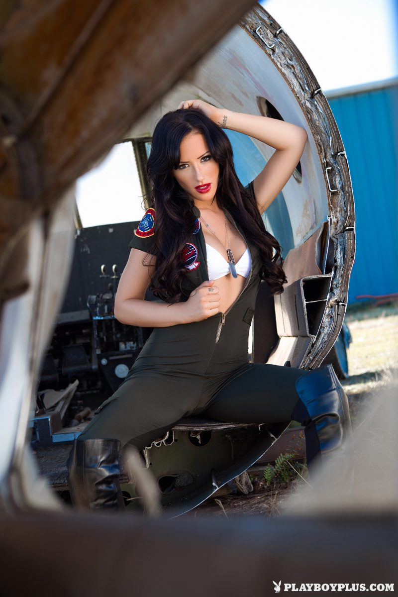 Alyssa Bennett – Fighter pilot