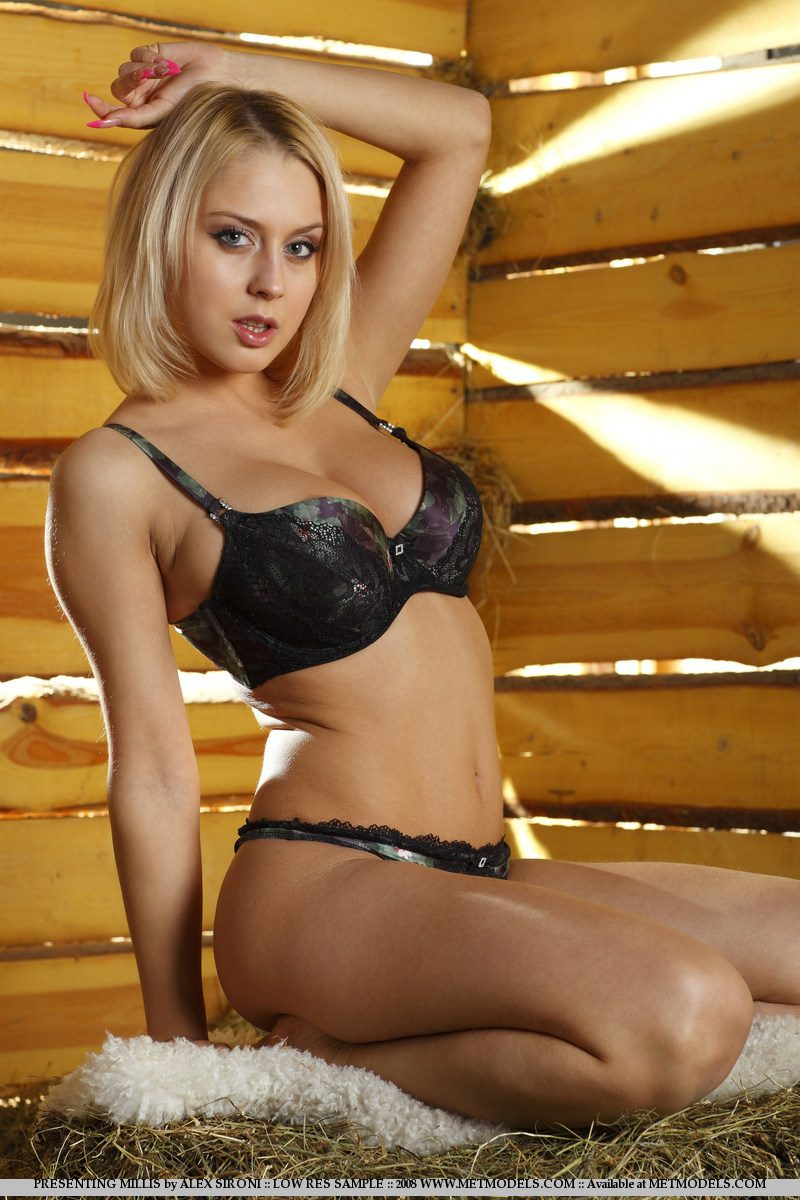 Mandy Dee naked in the barn