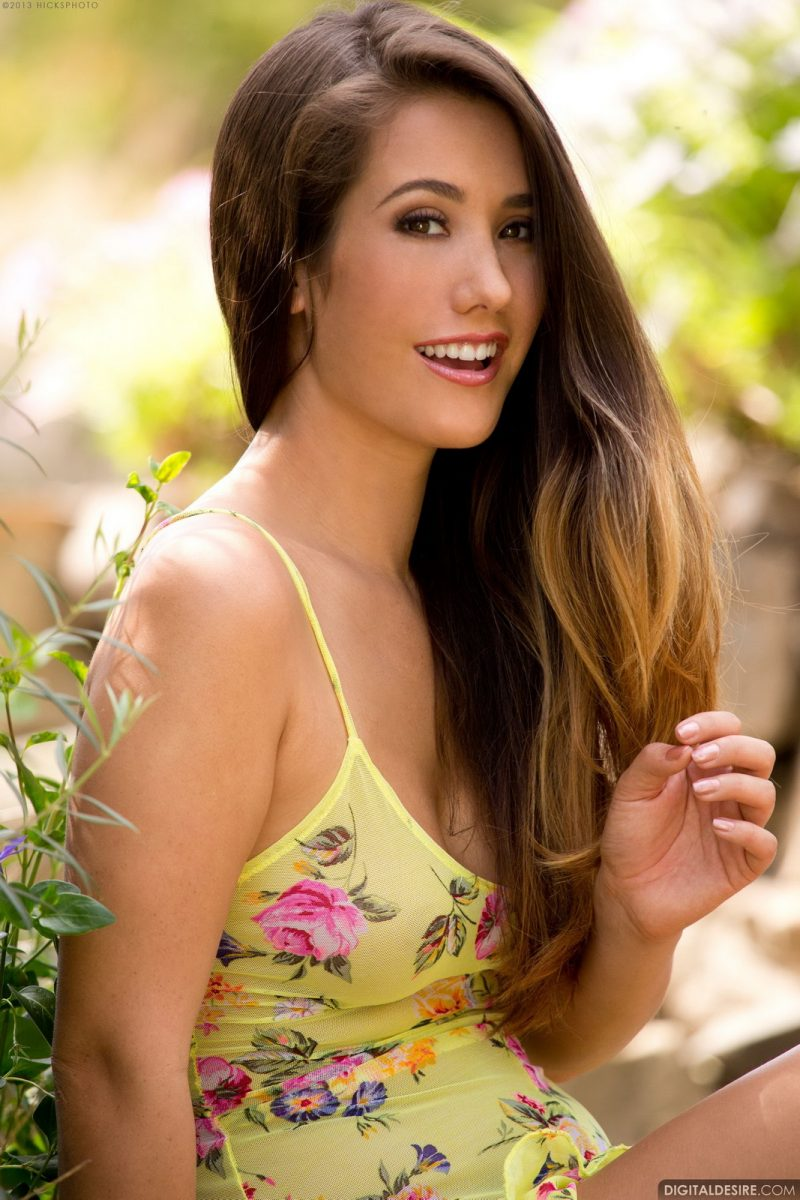 Eva Lovia in yellow dress Eva Lovia Pretty Ladies