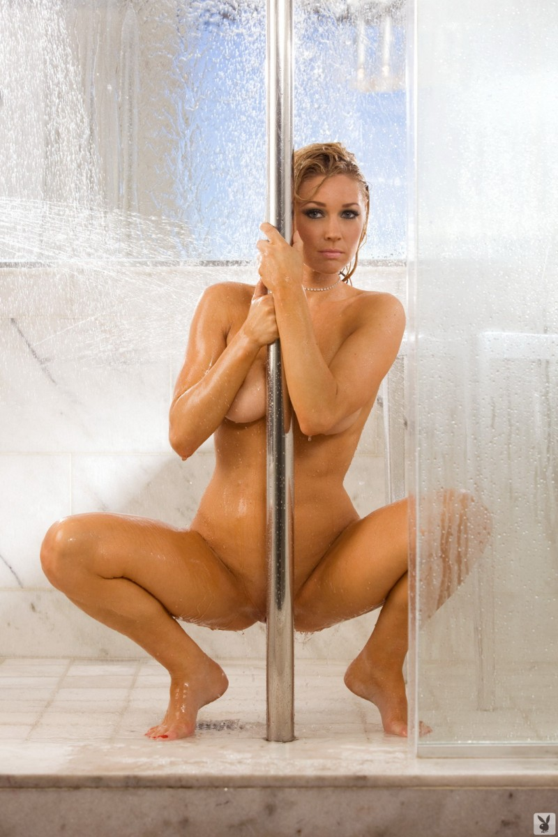 Kelly Carrington in the shower big tits blonde Kelly Carrington playboy