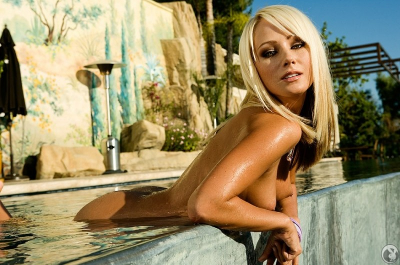 Sara Jean Underwood in the pool big tits blonde playboy pool Sara Jean Underwood