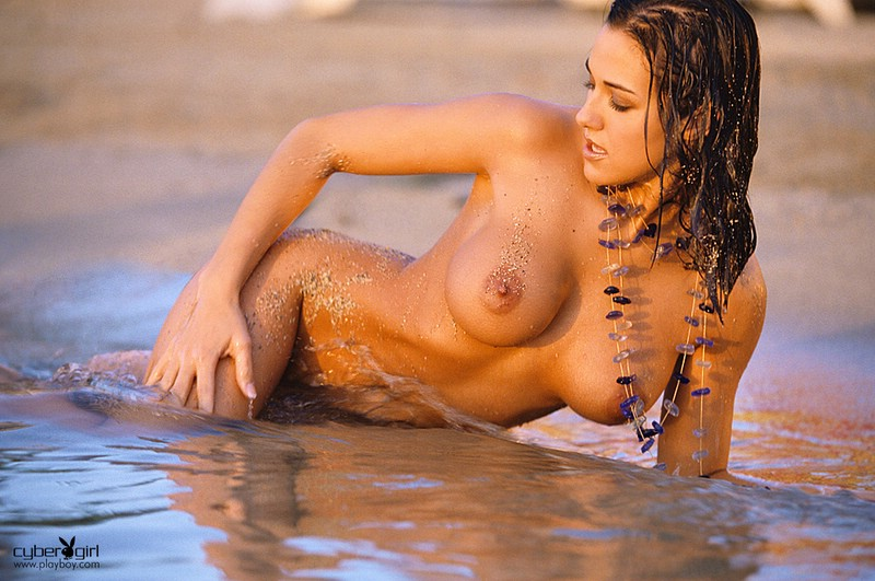 Amy Sue Cooper on the beach Amy Sue Cooper beach big tits brunette
