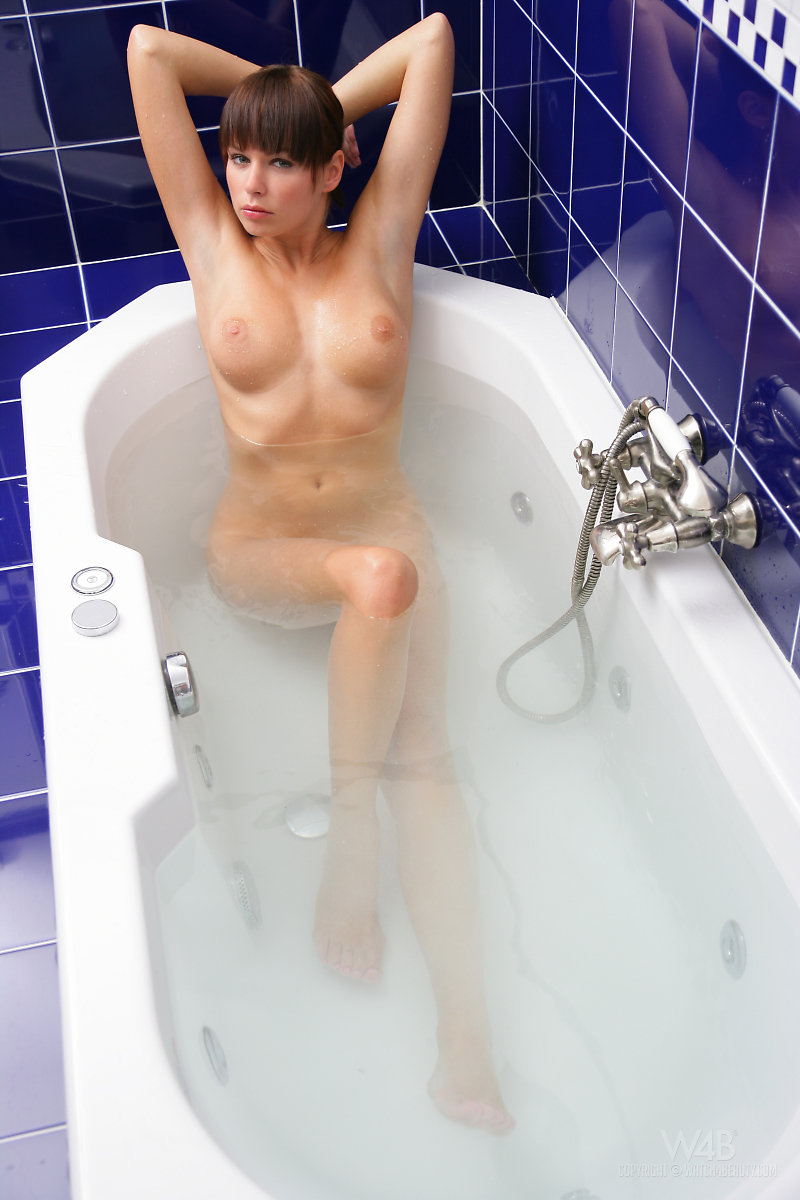 Samantha Star in bathroom bath bathroom jana lysackova samantha star