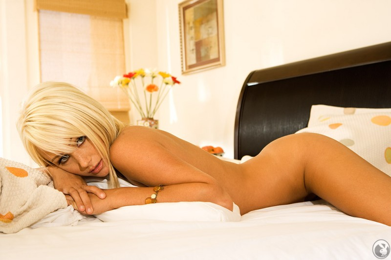 Sara Jean Underwood in bedroom bedroom blonde playboy Sara Jean Underwood
