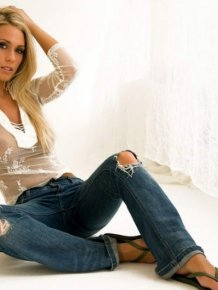 Alyssa Marie in jeans
