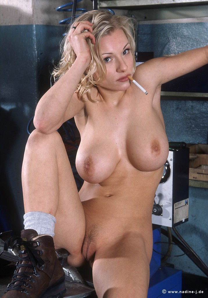 Daisy Van Heyden in garage